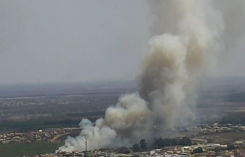 [Vitória da Conquista: incêndio atinge área de proteção ambiental do Parque Lagoa das Bateias]