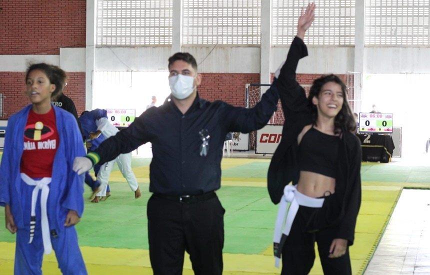 [Atleta camaçariense de 11 anos ganha medalha de ouro no Campeonato Baiano de Jiu-jitsu]