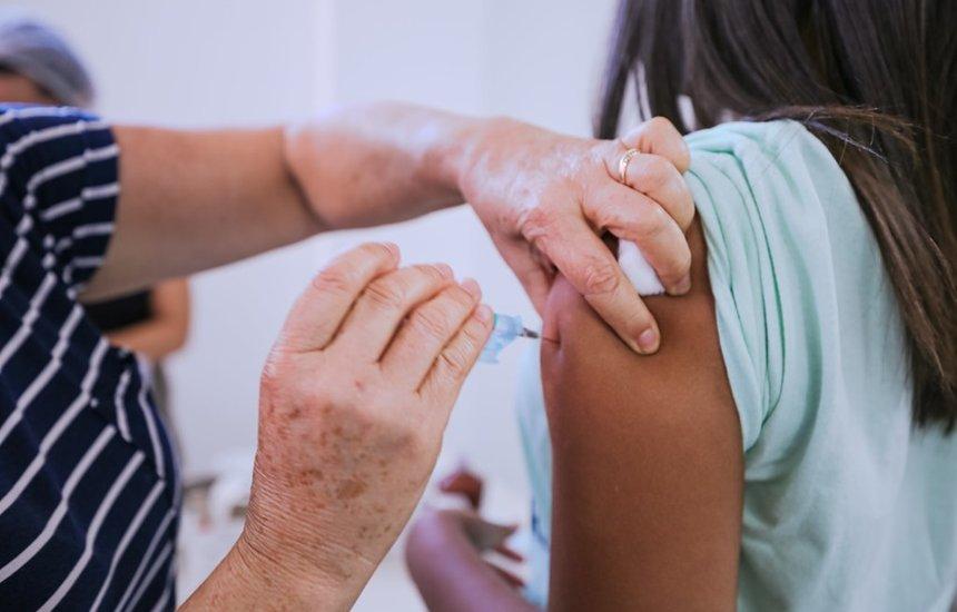 [Covid-19: vacinação avança em Camaçari para adolescentes a partir dos 12 anos nesta quarta-feira]