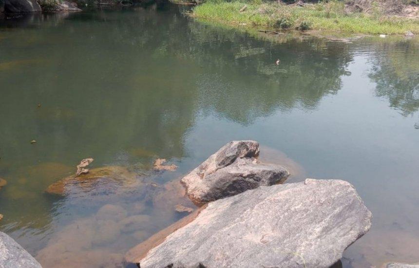 [Jovem morre afogado ao tentar recuperar celular que caiu em rio na Bahia]