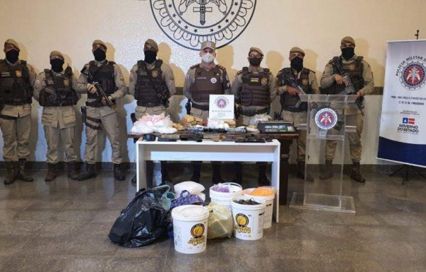 [Polícia apreende armas e drogas em operação de combate a festas de 'paredão']