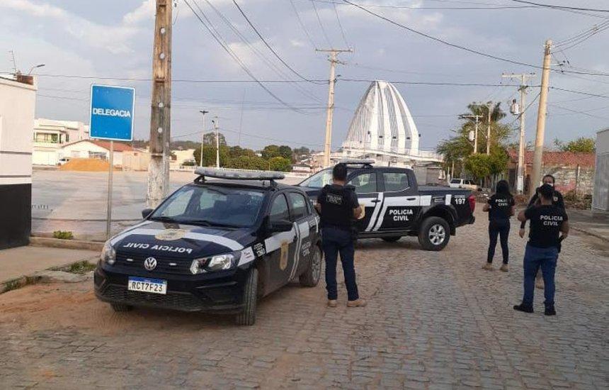 [Polícia cumpre mandados de prisão em operação de combate a crimes contra vida no interior da Bahia]