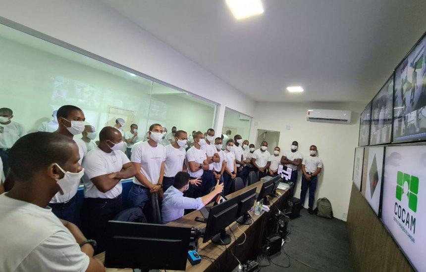 Alunos do curso de soldado do 12º BPM conhecem o Centro de Operações de Camaçari