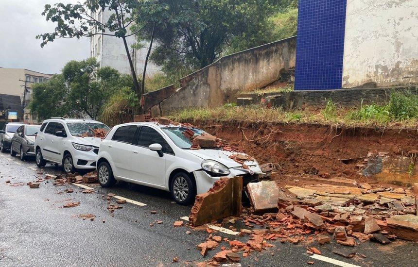[Chuva forte causa alagamentos, transtornos e prejuízos em Salvador]